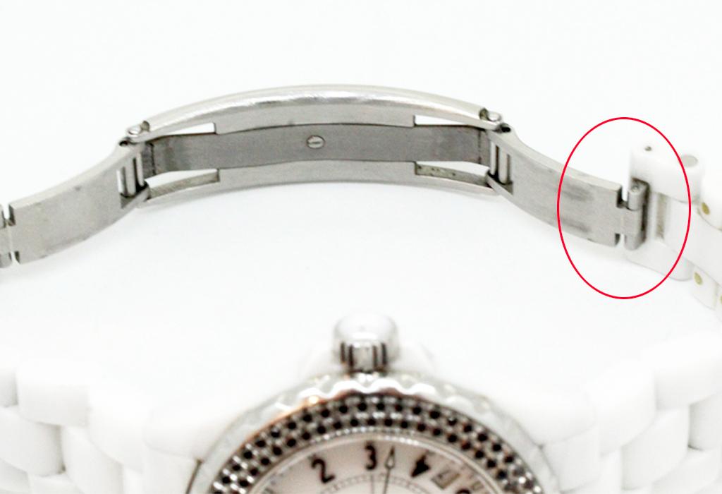 シャネルのJ12白セラミック のベルト修理